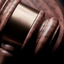 Les règles juridiques sur internet - E-JUR3